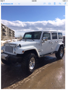 WHITE 2014  SAHARA JEEP UNLIMITED LOADED