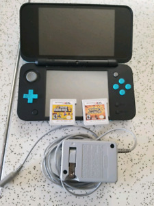 Nintendo 2ds and 2 games. Xl size.