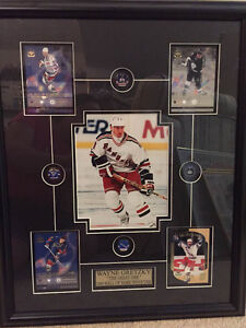 Wayne Gretzky 1999 Hall of Famer Inductee Framed Picture