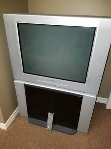 """Téléviseur Sony Trinitron 27"""""""