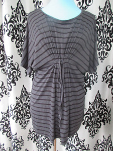 Loved by Heidi Klum Maternity top size Medium