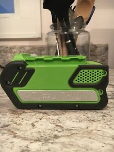 40v Lithium battery for Weed whacker Regina Regina Area image 3