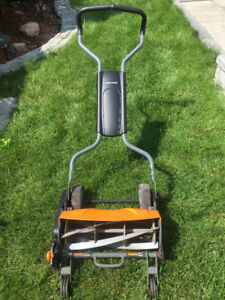 Manual Lawnmower-Best brand- Fiskars