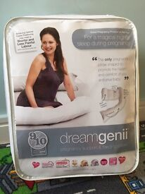 Dreamgenii Maternity and Nursing Pillow - Brand New!