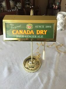 VINTAGE Canada Dry ginger ale advertising light lamp