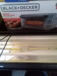 Black and Decker extra wide toaster oven