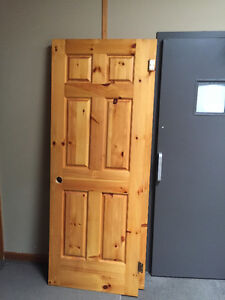 Knotty Pine Colonial Door