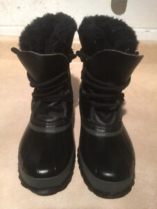 Women's Sorel Leather Winter Boots Size 5 London Ontario image 2