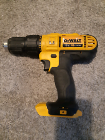 Dewalt 18V Cordless Hammer Drill x 2 Batteries and charger