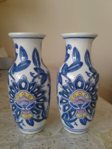 A Pair Chinese vintage blue and white porcelain vase
