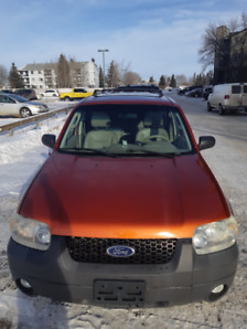 WELL MAINTAINED FORD ESCAPE 2006