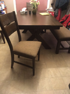 Dinning room set bench and 4 chairs
