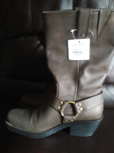 Ladies Brown Boots -  Size 9