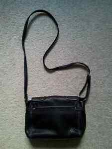 New Authentic Nine West Black Cross Body Bag London Ontario image 3