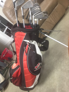 GT Golf Clubs, Full set with wedge, putter and bag