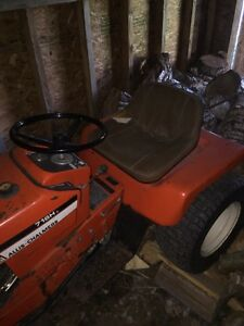 79 Allis Chalmers tractor snow blower and mower deck