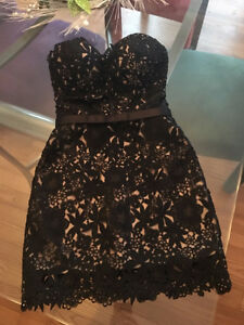 Semi Formal/Prom Dress only worn once for 4 hours London Ontario image 3