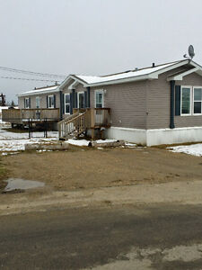 Well Maintained Mobile Home For Sale In Drayton Valley!