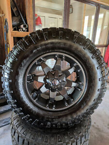"Fuel mags & Mud tires 35"" x 13.5 x 18  DuraTrac Brand new!"
