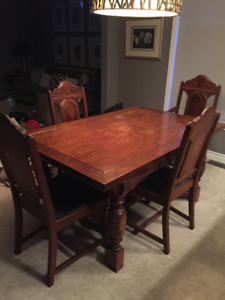 Antique Dining Table And 6 Chairs 1920s