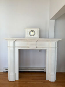 Fireplace mantel with propane insert