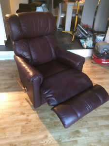 2 Recliner/Rocking Chairs Cambridge Kitchener Area image 3