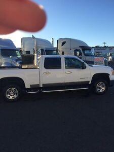 Gmc 2500 truck reduced going home to Ireland