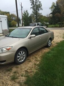 2003 Toyota Camry loaded. Sun roof  mint mint