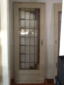 ANTIQUE ENGLISH LEADED STAINED GLASS SOLID WOOD DOOR