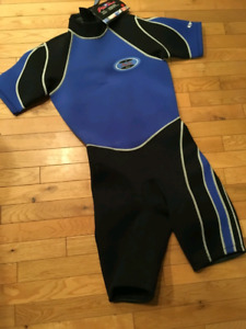Wetsuit, shorty, brand new, size M