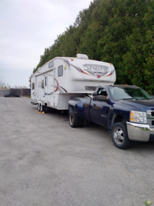 32 Foot Sabre Fifth Wheel,5th Wheel RV,trailer,bunk models