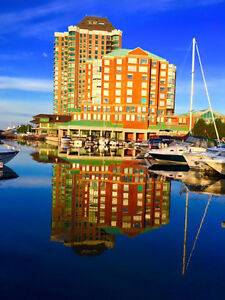 Brockville, Water Front Luxury 3 Bedroom 1850 Sq Ft Condo & dock
