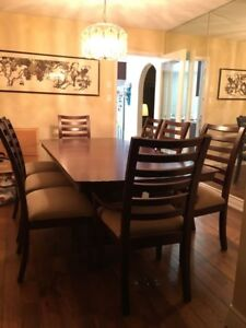 Oak dinning table with 8 chairs