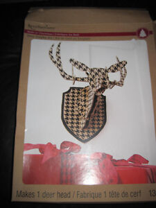 Recollections Paper Deer Trophy Kit Novelty Houndstooth Pattern