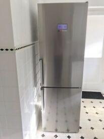 State of the art Bosch fridge freezer