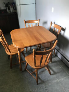 Hardwood Kitchen Table and Chair Set.