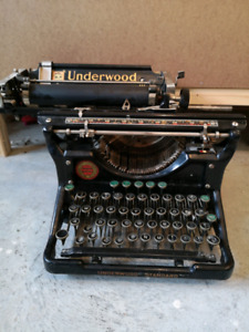 Underwood 10 Typewriter