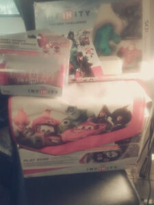 Disney infinity  box set for 3ds game bag and power disc