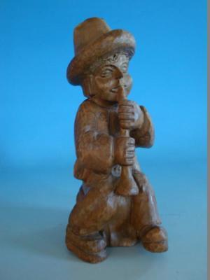 RS0817-087: Figur Knabe mit Flöte Holz Linde Made in Spanien