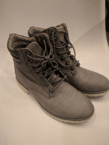 Grey fashion canvas women's boot size 10