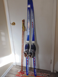 X-Country Skis, Boots, Poles Kid's size 5 (EU 37)