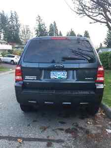 Like new 2008 Ford Escape Xlt low km North Shore Greater Vancouver Area image 2