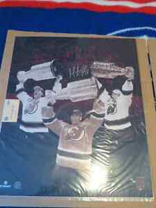 19/30 Signed Martin Brodeur photo with COA