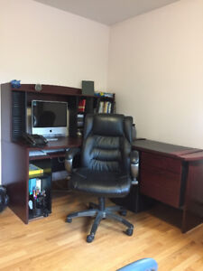 Compuer desk and chair