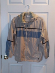 Women's small Columbia shell