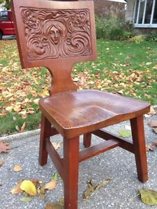 Carved back wooden chair Kitchener / Waterloo Kitchener Area image 3