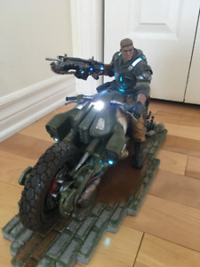 Gears of War 4 - Statue J.D Fenix from collector Edition