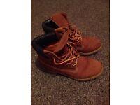 Ladies/kids timberland boots size 3