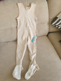 Aged 2-3 scratchsleeve suit