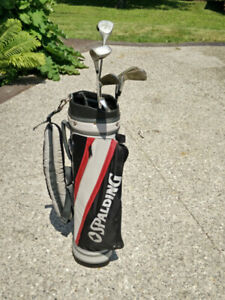 Spalding Golf Clubs with Golf Bag